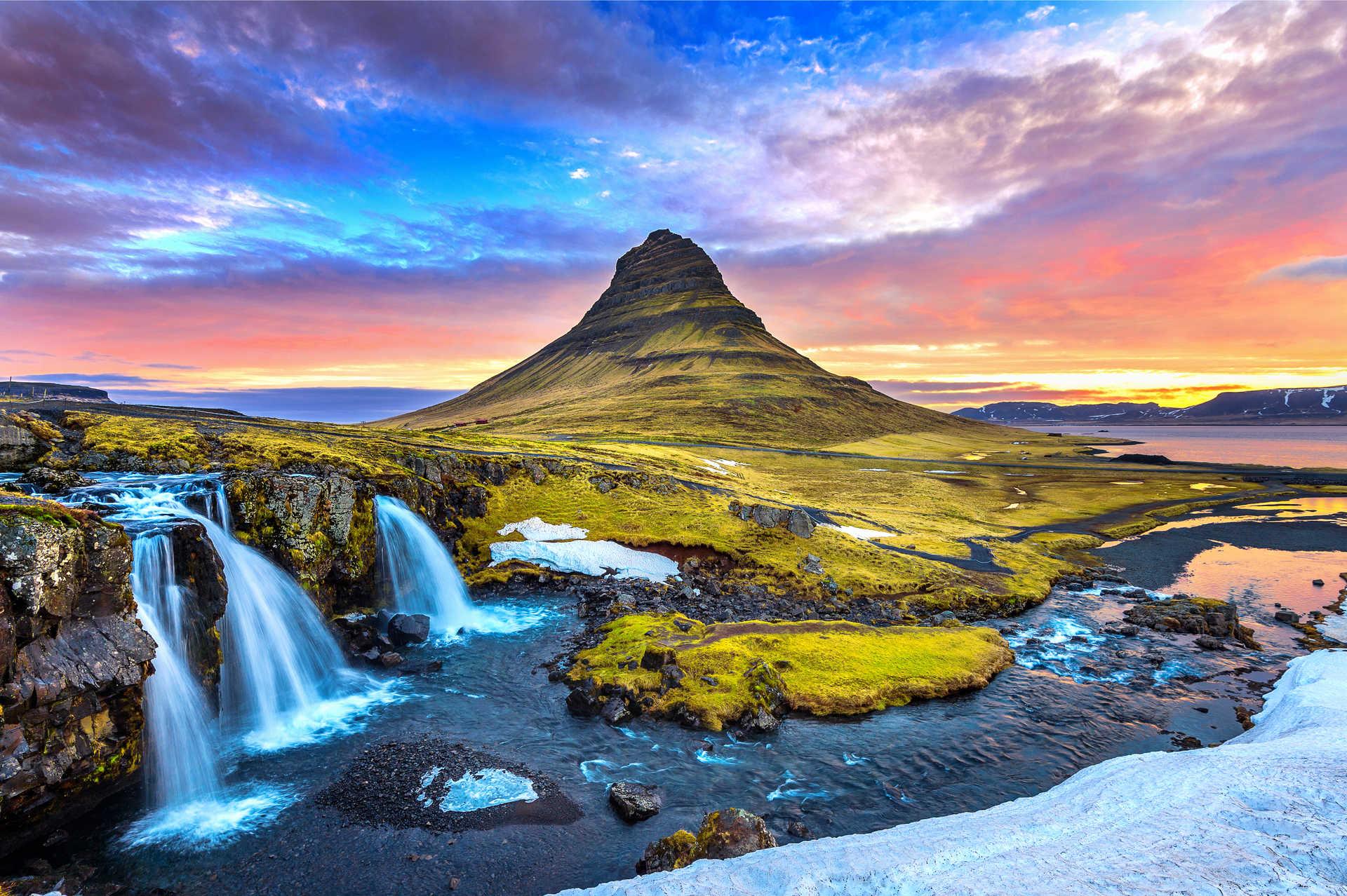 Kirkjufell au lever du soleil en Islande
