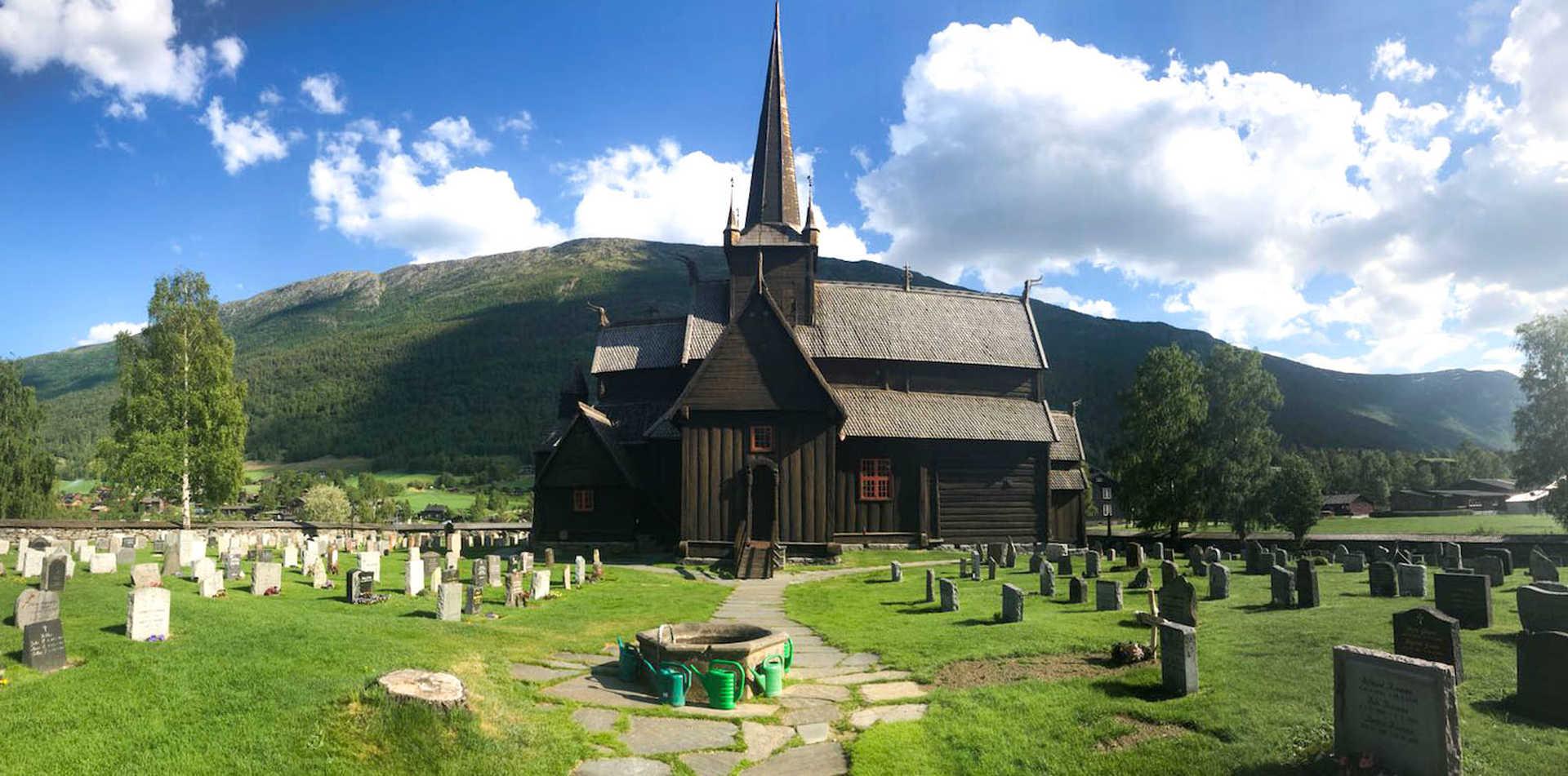 Lom Stavkirke, église en bois du Sud de la Norvège