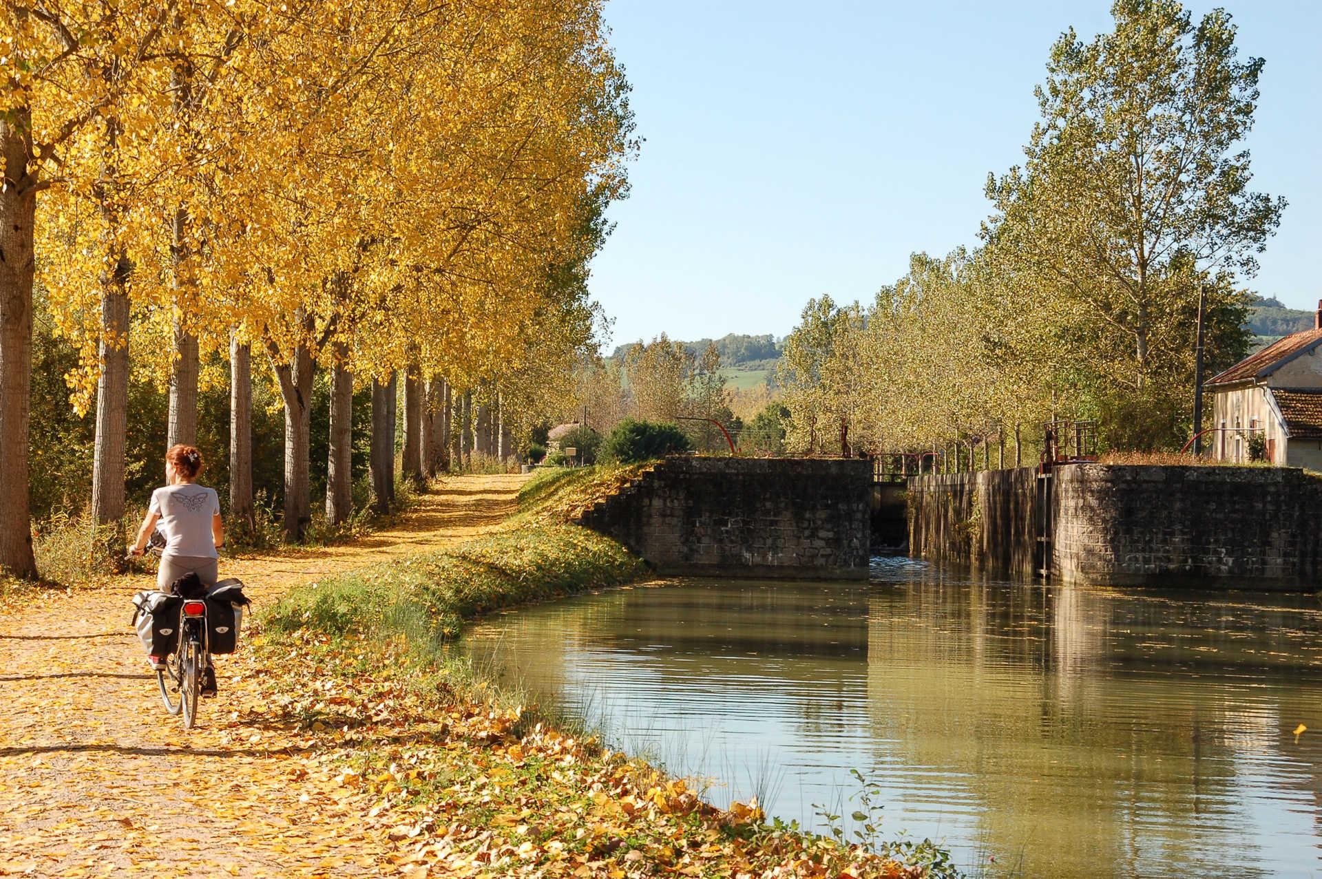 Circuit Vélo Liberté Canal Bourgogne France