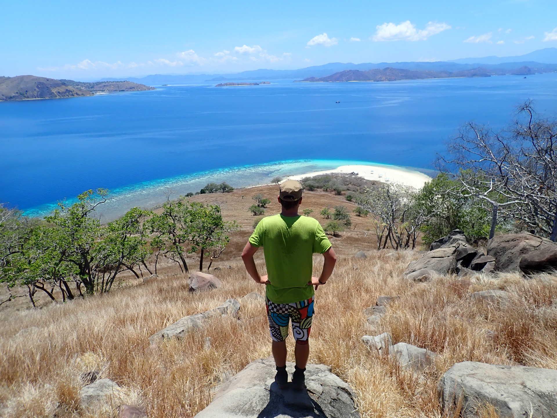 Point de vue sur les îles de l'archipel de Komodo, Florès, Indonésie