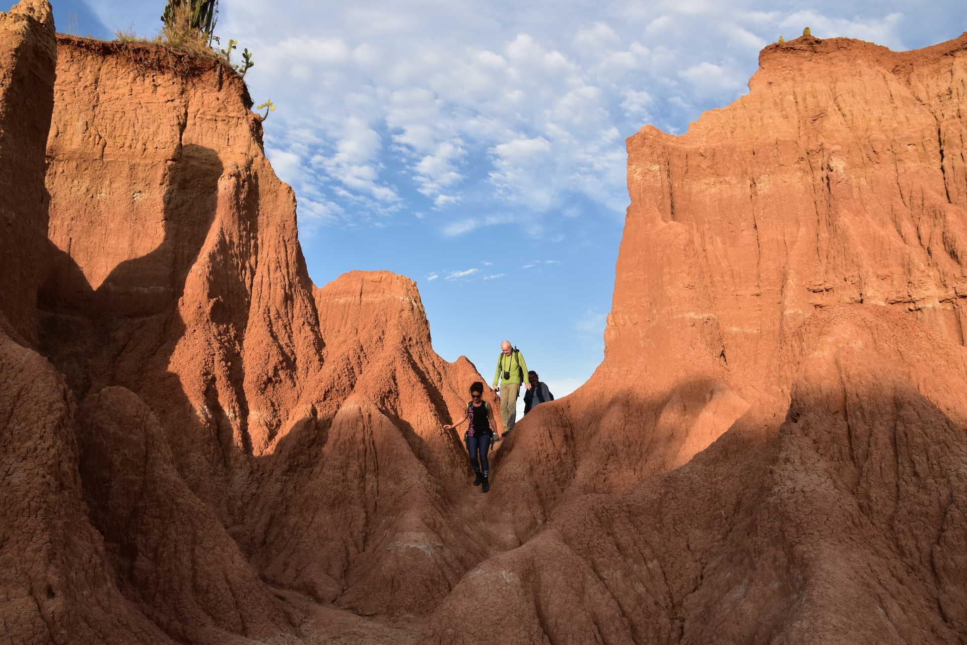 Randonneurs dans le désert de la Tatacoa