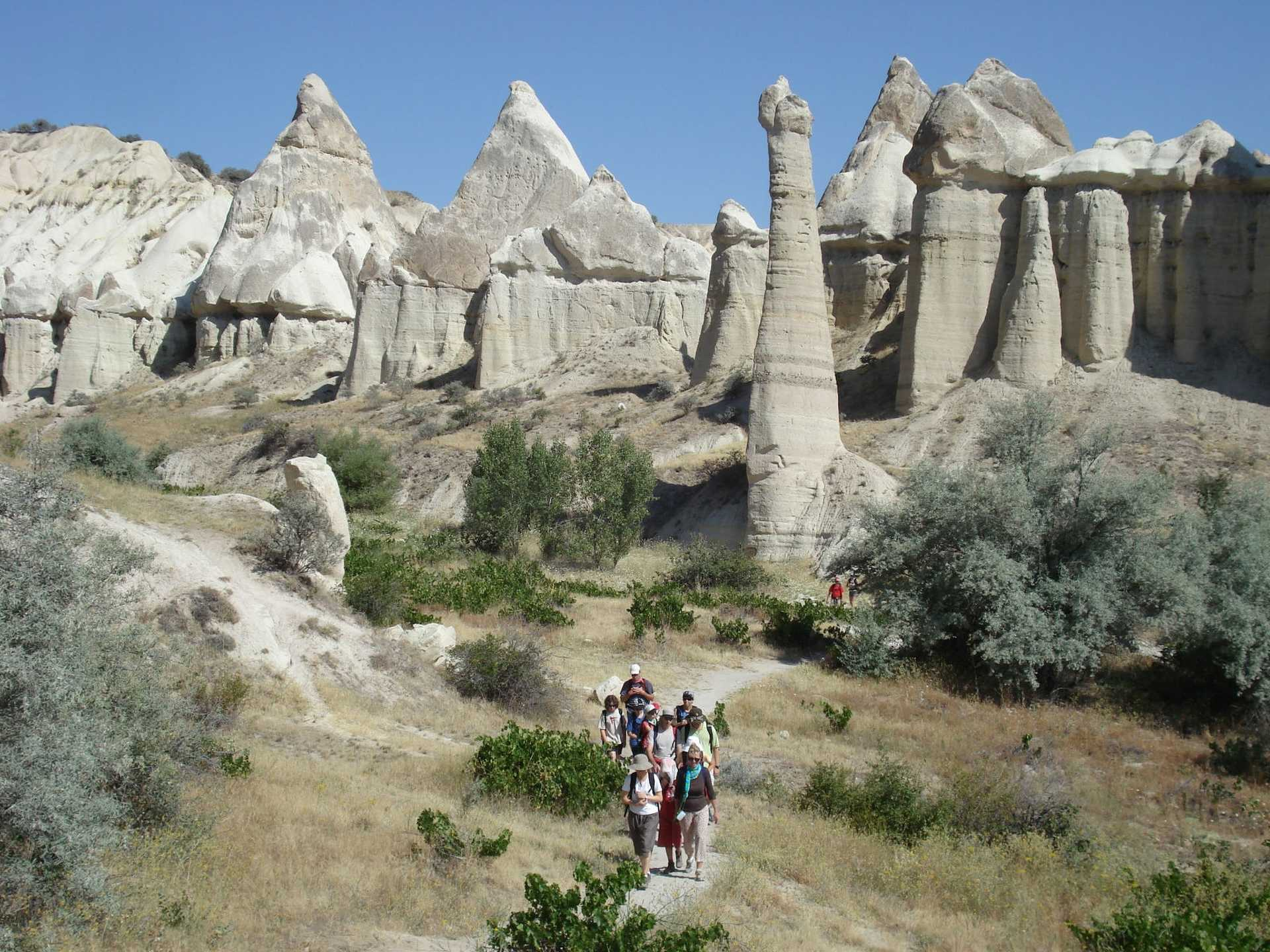 Randonneurs sur les chemins de la Cappadoce en Turquie