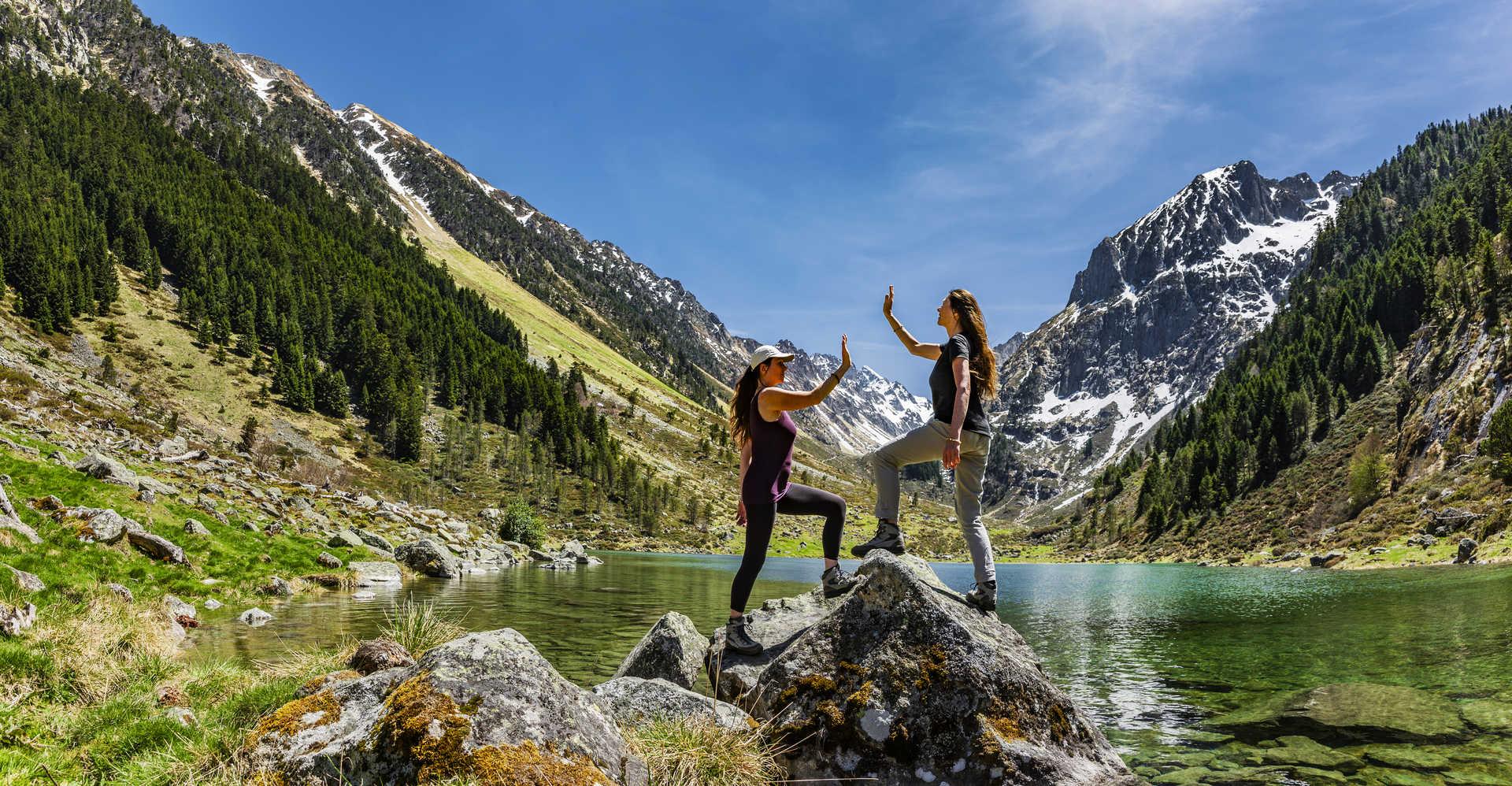 Randonneuses dans les Pyrénées