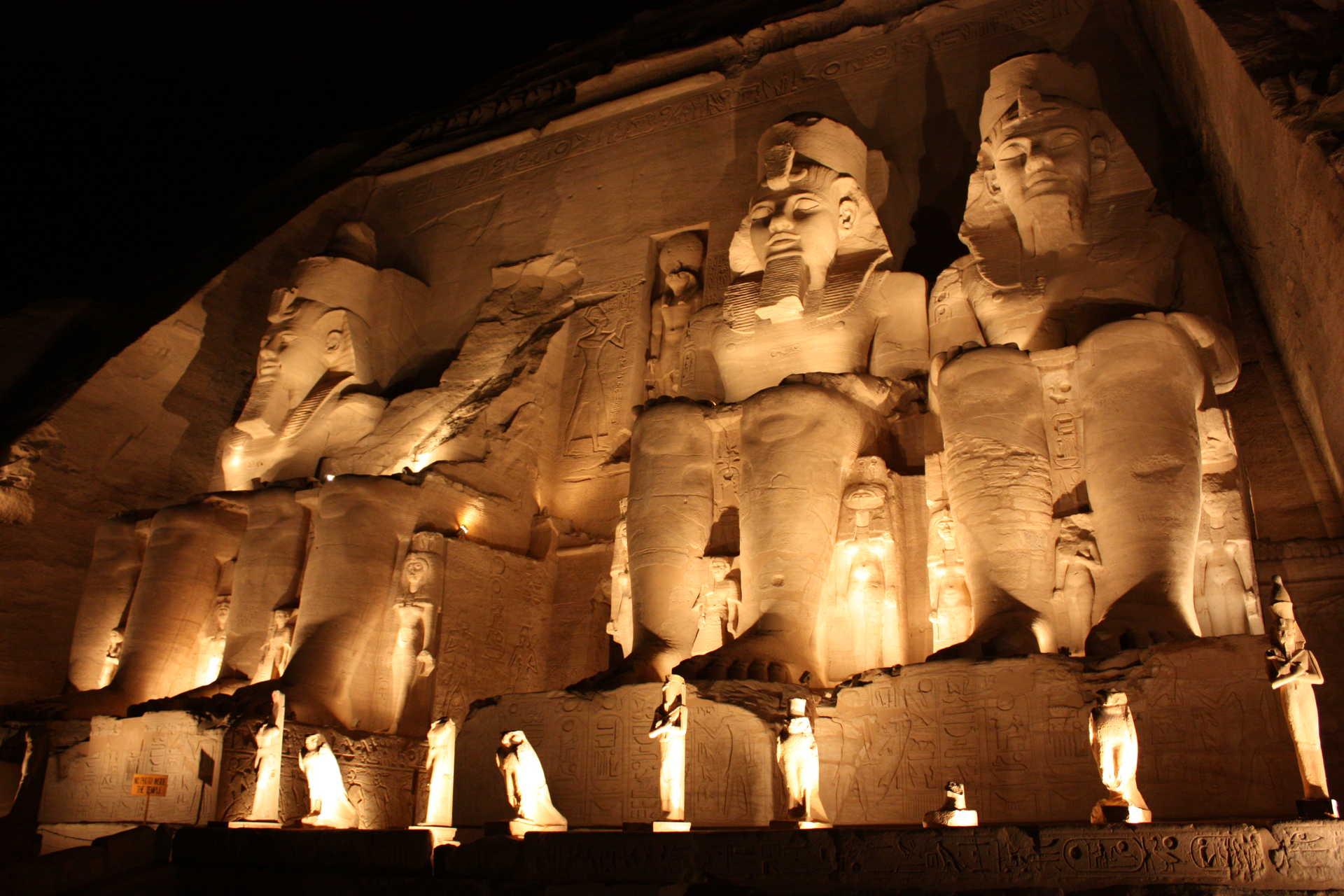Son et lumière à Abou Simbel