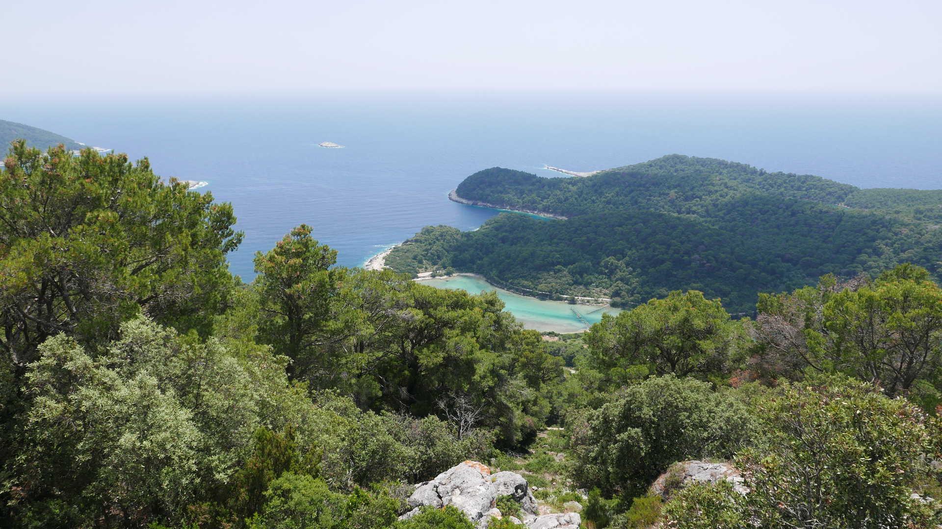 Vue sur l'île de Mjlet depuis le village de Montokuk