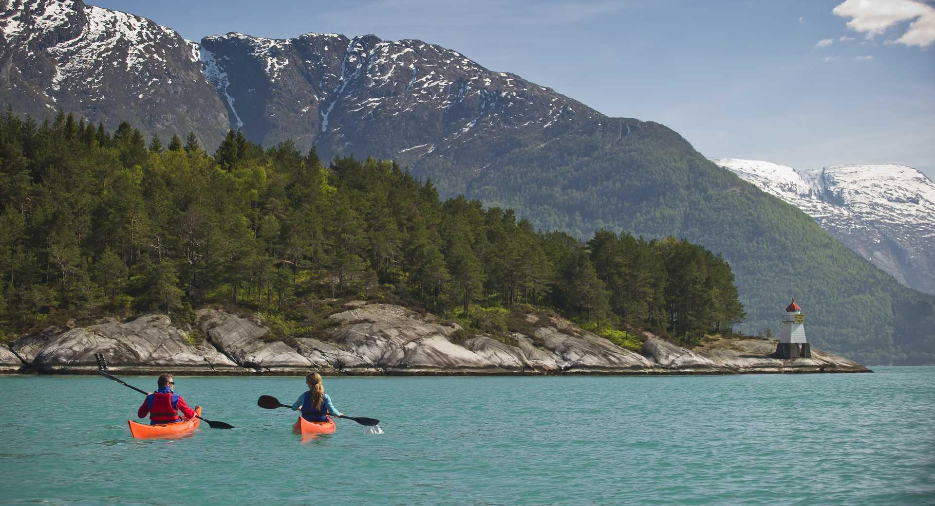 Kayak dans les fjords de Norvège du Sud