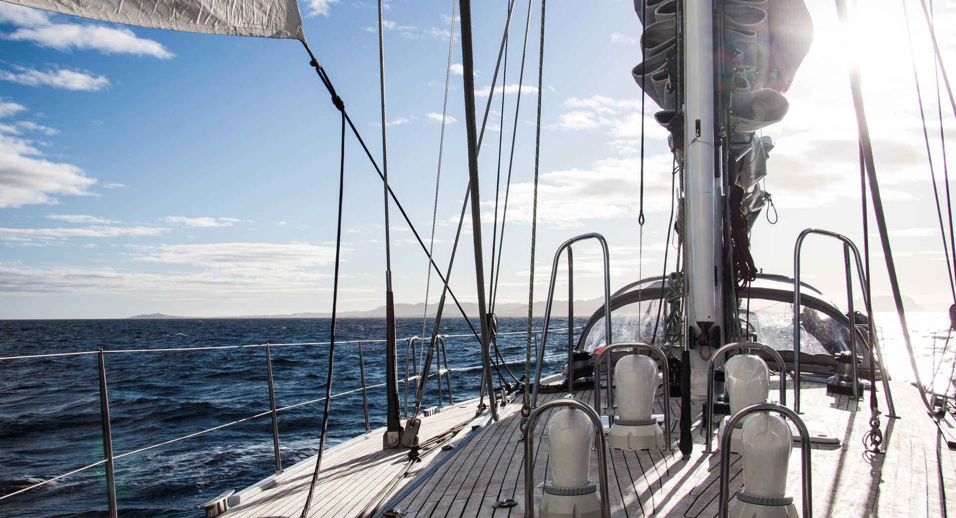 Petit bateau de croisière Lifesong au Canada