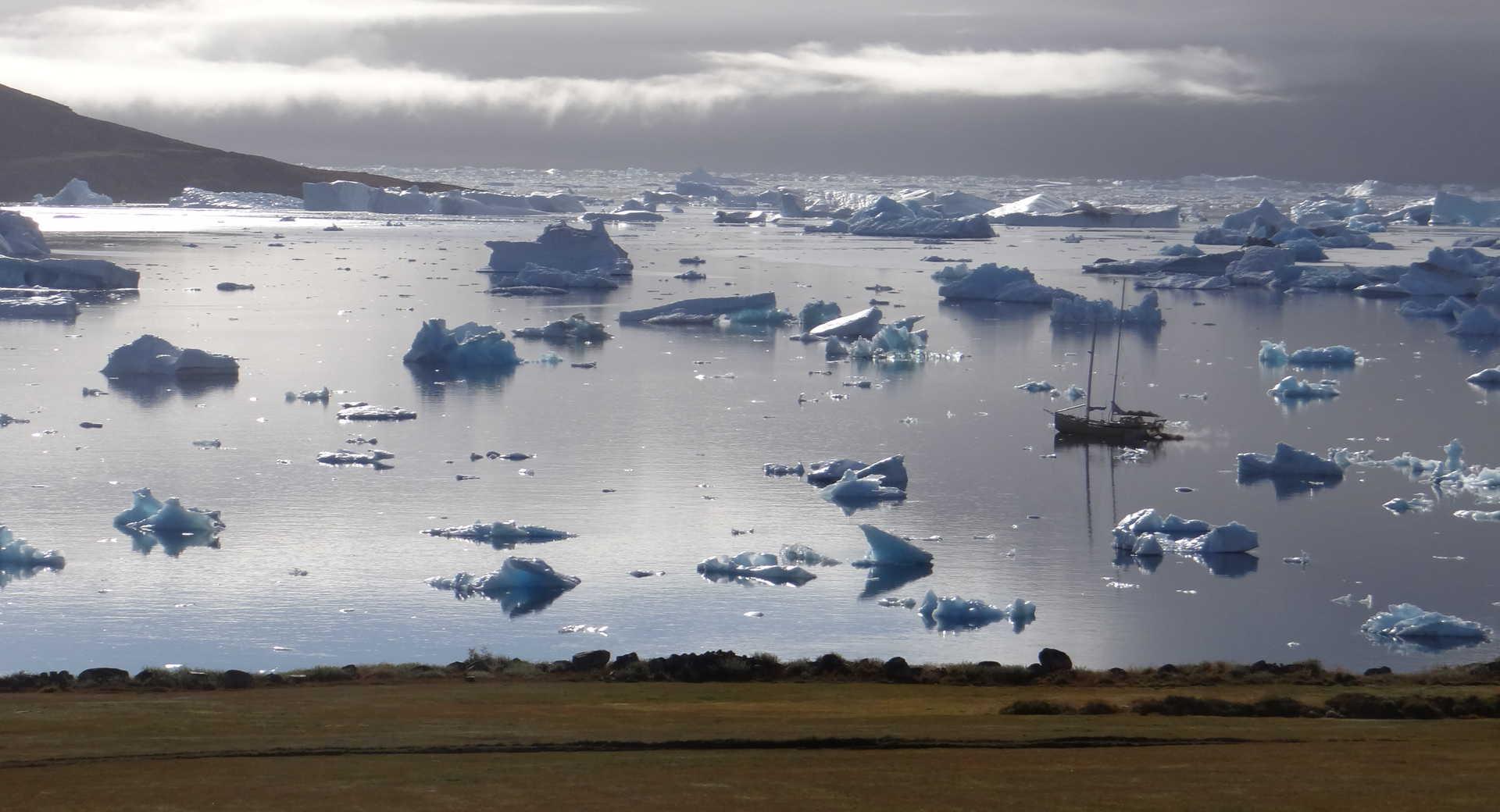 voilier la louise au sud du Groenland