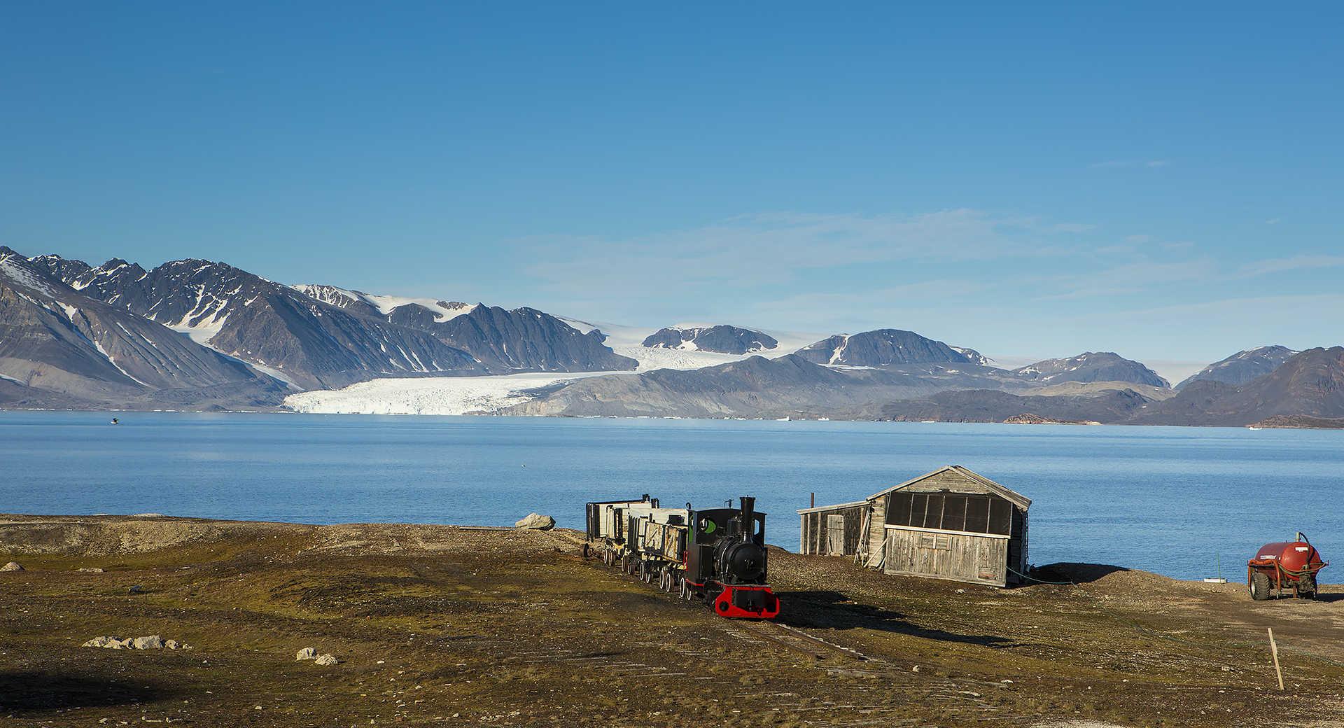 Cabane au Spitzberg lors d'une croisière polaire