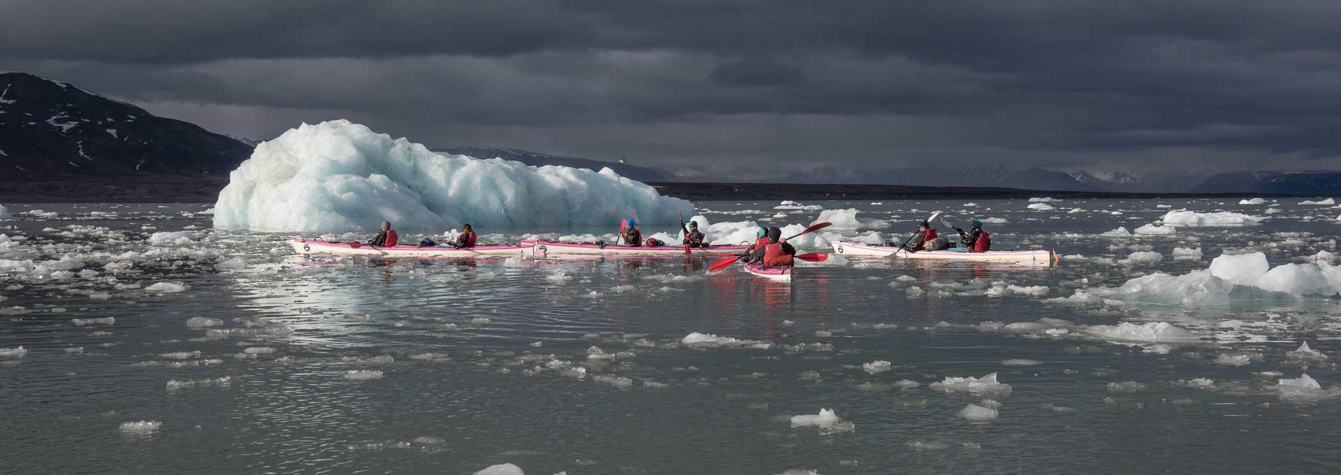 Kayak 5 glaciers, Svalbard