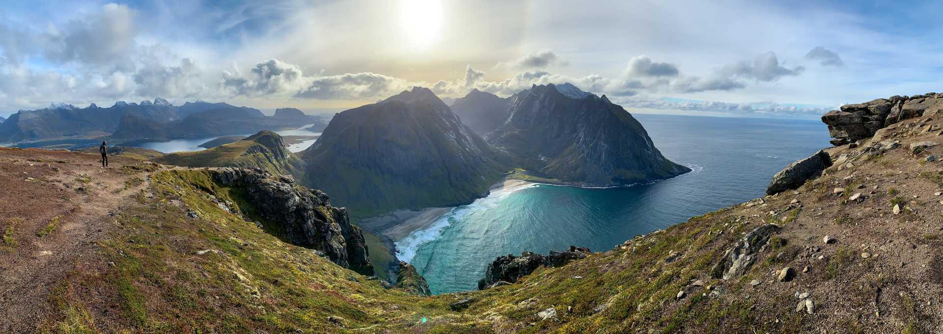 Randonnée jusqu'au mont Ryten, vue sur Kvalvika
