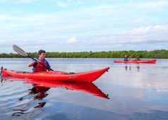 Kayak dans la laguna de las Salinas