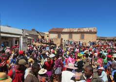 Marché à Madagascar et vie locale des Hautes Terres
