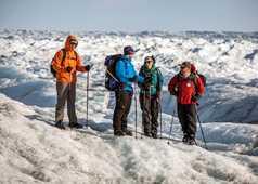 Randonneurs sur l'inlandsis au Groenland