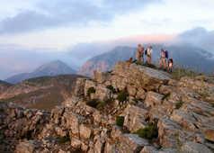 randonneurs sur sommet Crète