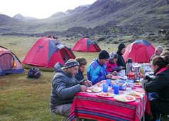 Repas préparé par notre équipe pendant le trek de l'Ausangate