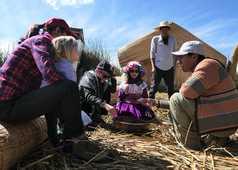 Sur le lac Titicaca en famille