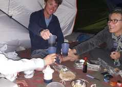 Voyage en groupe sous tente à Oman