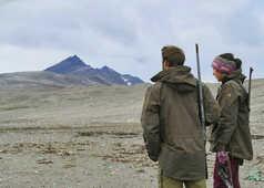 Yannick Long et Maud Sevaux, guides arctiques au Svalbard