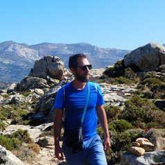 Florian en randonnée à Naxos