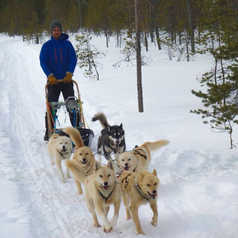 Mathieu Schoendoerffer, guide arctique en Finlande