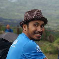 Vion - Guide Altai Indonesia