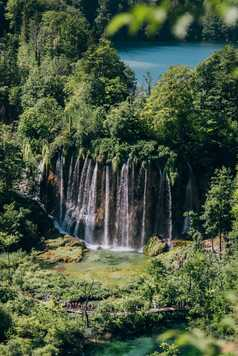 Cascades au Parc National des lacs de Plitvice