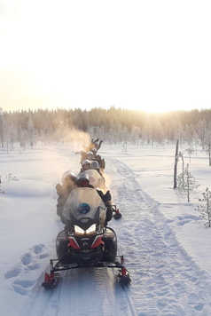 Safari en motoneige en Finlande