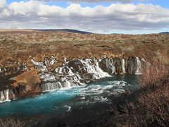 Cascade de Hraunfossar en Islande