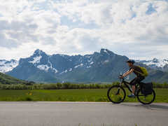 VTT sur la route des Lofoten en Norvège