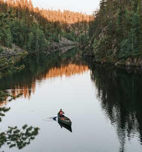 Canoe dans le parc national de Hossa