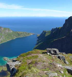 Dupfjorden  aux Lofoten sur la randonnée du Munkan