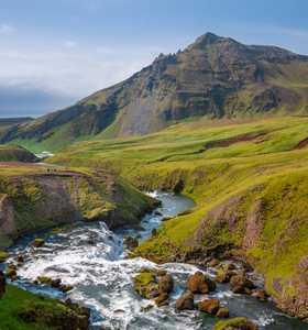 Paysage d'Islande vallée verdoyante