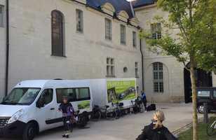 Camion de FRANCE A VELO livrent des vélos