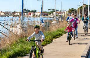 Famille port Agde vélo