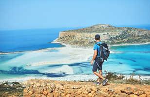 Randonneur à Balos en Crète