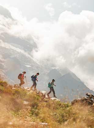 Randonnée avec les enfants dans les Alpes, chalets de Miage