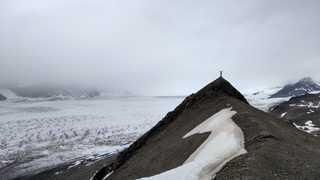 Sur les crêtes du glacier de Svéa, Svalbard