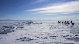 Voyage randonnée pulka glace baikal