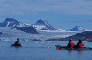 Itinérance en kayak de mer en Baie du Roi au Spitzberg