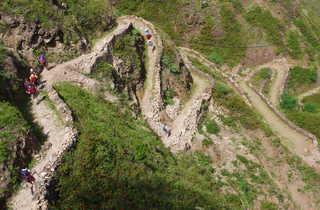 Les lacets de sentiers muletiers de Santo Antao