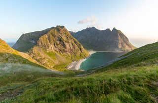 Soleil de minuit en Norvège du Nord, îles Lofoten