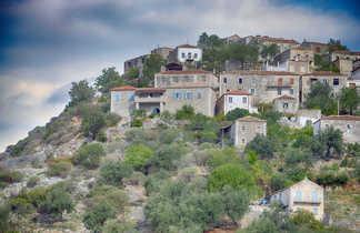 Albanie, vieux village de Qeparo