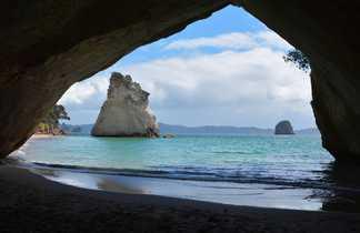 Arche, grotte et plage Cathedral Cove