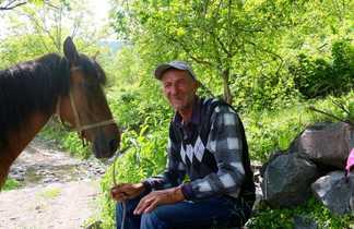 Arménien avec son cheval