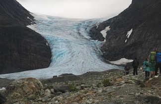 Arrivée à Steindalbreen, glacier de Norvège
