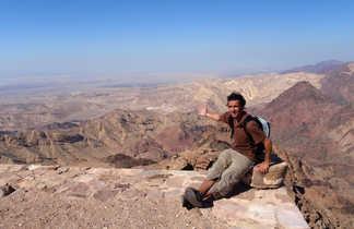 Au sommet du Mont Aaron en Jordanie