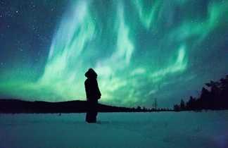 Aurores boréales l'hiver en Laponie, Finlande
