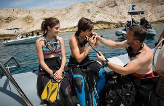 Avant de s'immerger, découverte du matériel de plongée