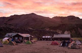 Bivouac et refuge de Landmannalaugar en Islande